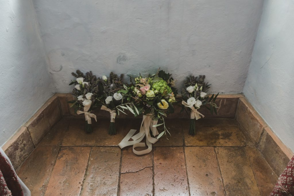 flower decorations in castello di titignano orvieto