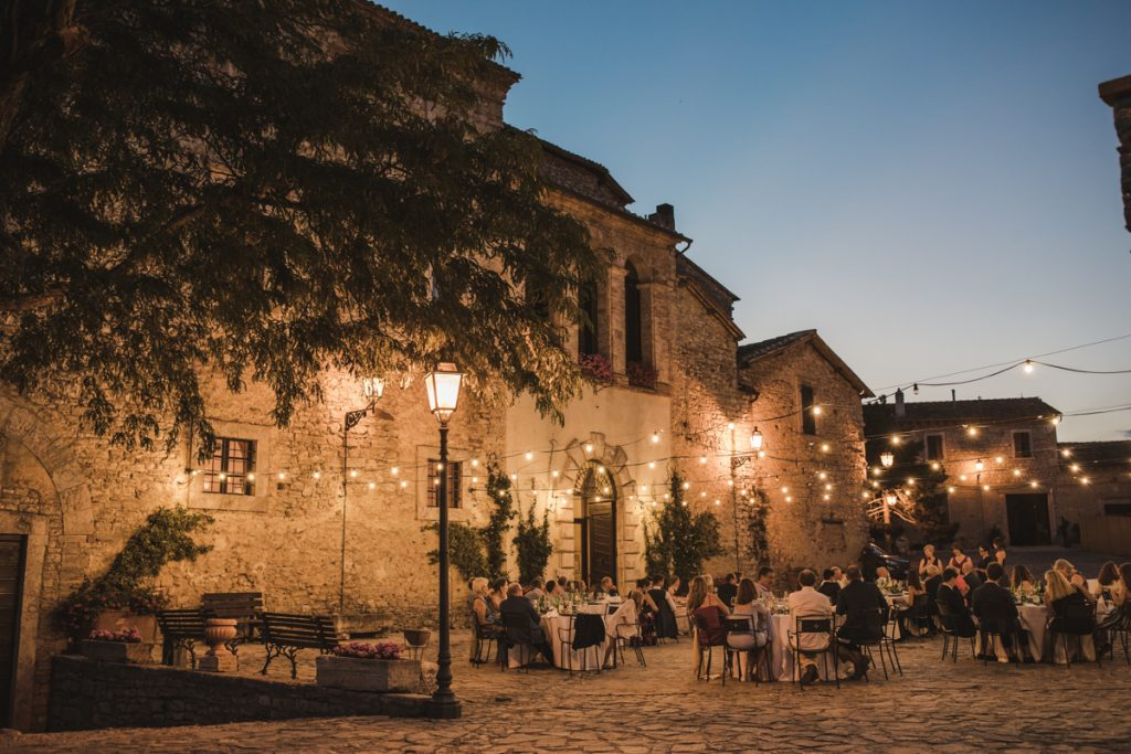 weddings in castello di titignano orvieto