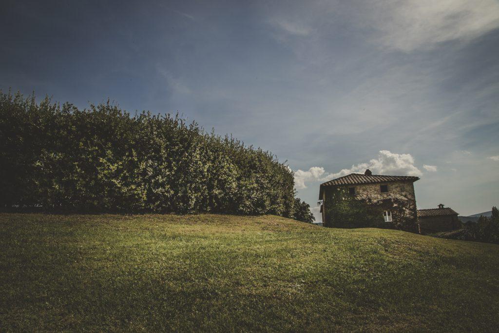 tuscan countryside in villa podernovo siena