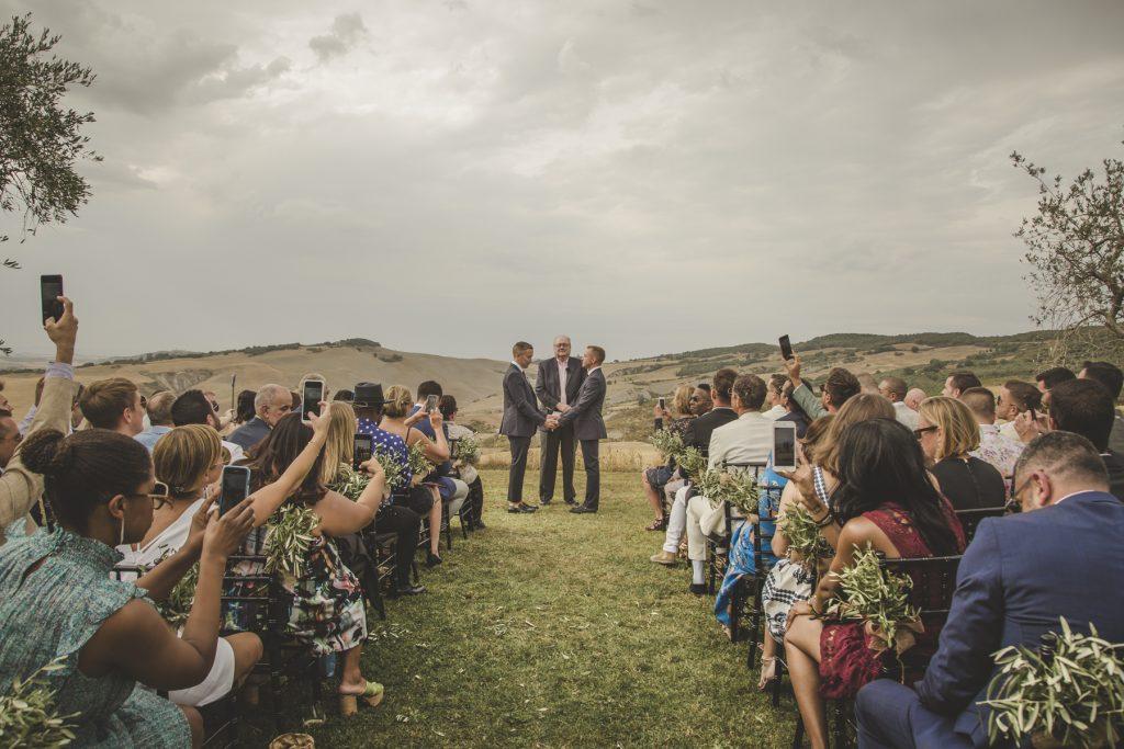 outdoor wedding in la bandita country house siena