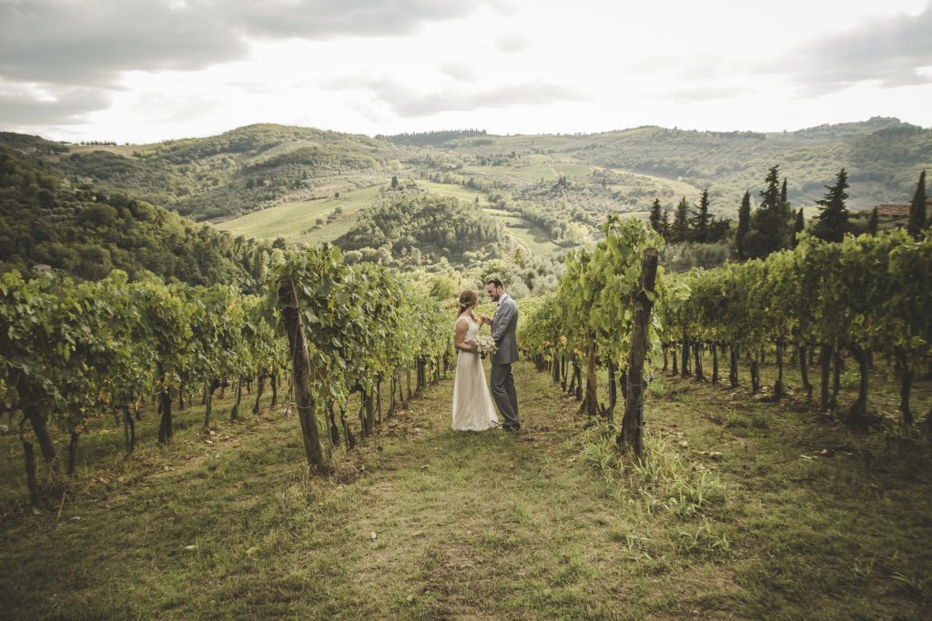 outdoor wedding in chianti countryside