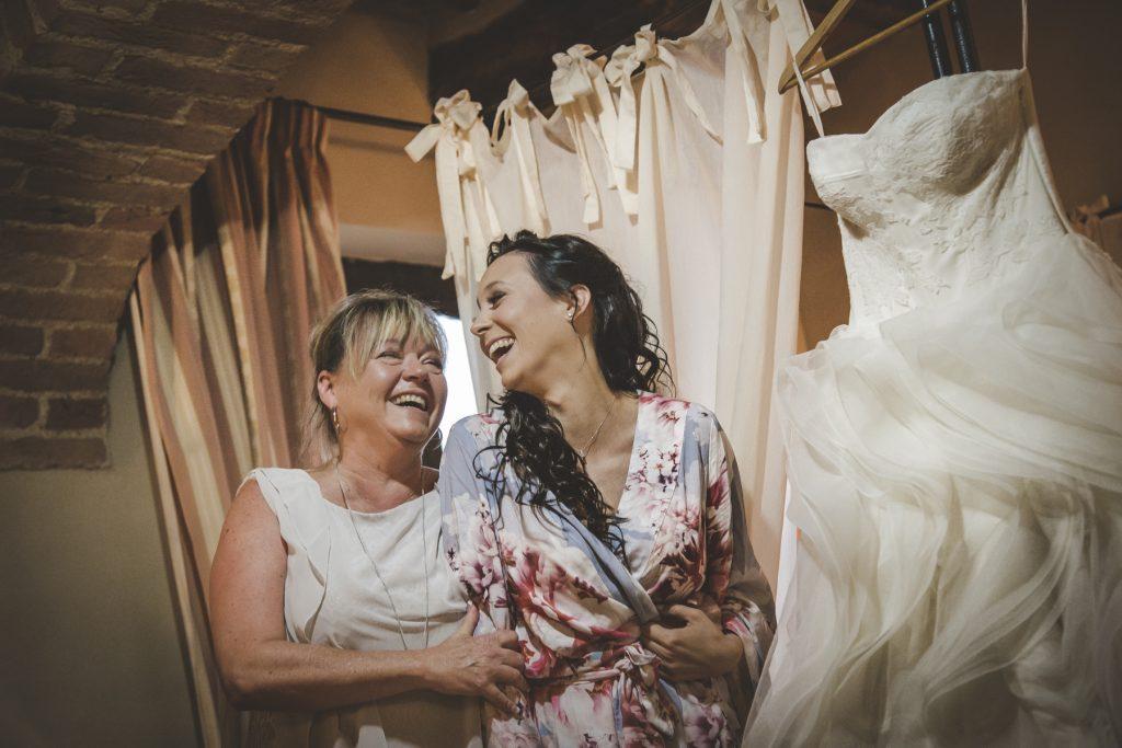 chris-and-christine-wedding-day-at-casa-cornacchi-tuscany_08