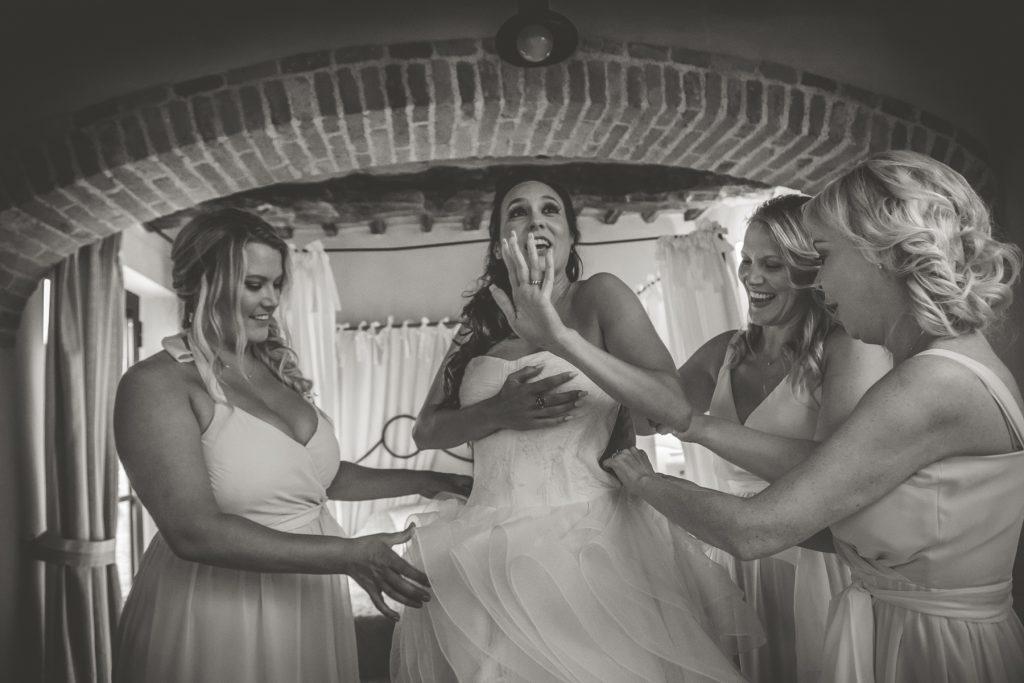 candid wedding photographer in casa cornacchi arezzo