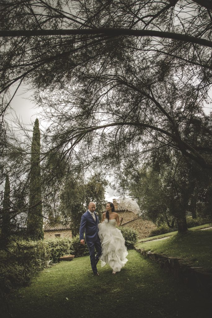 chris-and-christine-wedding-day-at-casa-cornacchi-tuscany_21