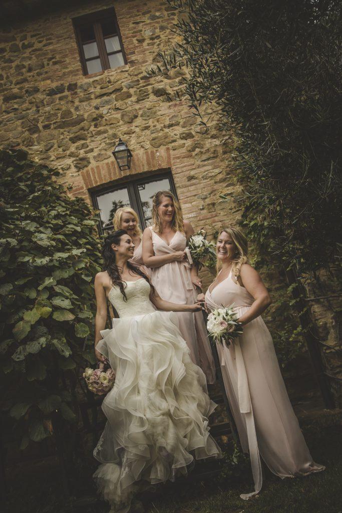 chris-and-christine-wedding-day-at-casa-cornacchi-tuscany_27