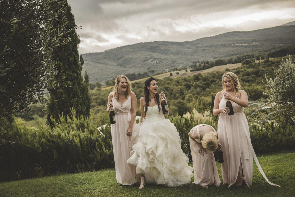 chris-and-christine-wedding-day-at-casa-cornacchi-tuscany_29