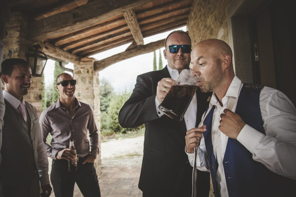 chris-and-christine-wedding-day-at-casa-cornacchi-tuscany_56