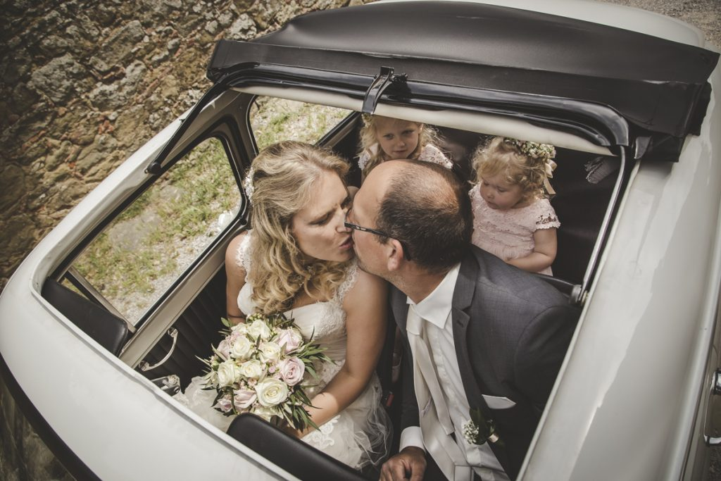 car rental for weddings in castello di gargonza arezzo