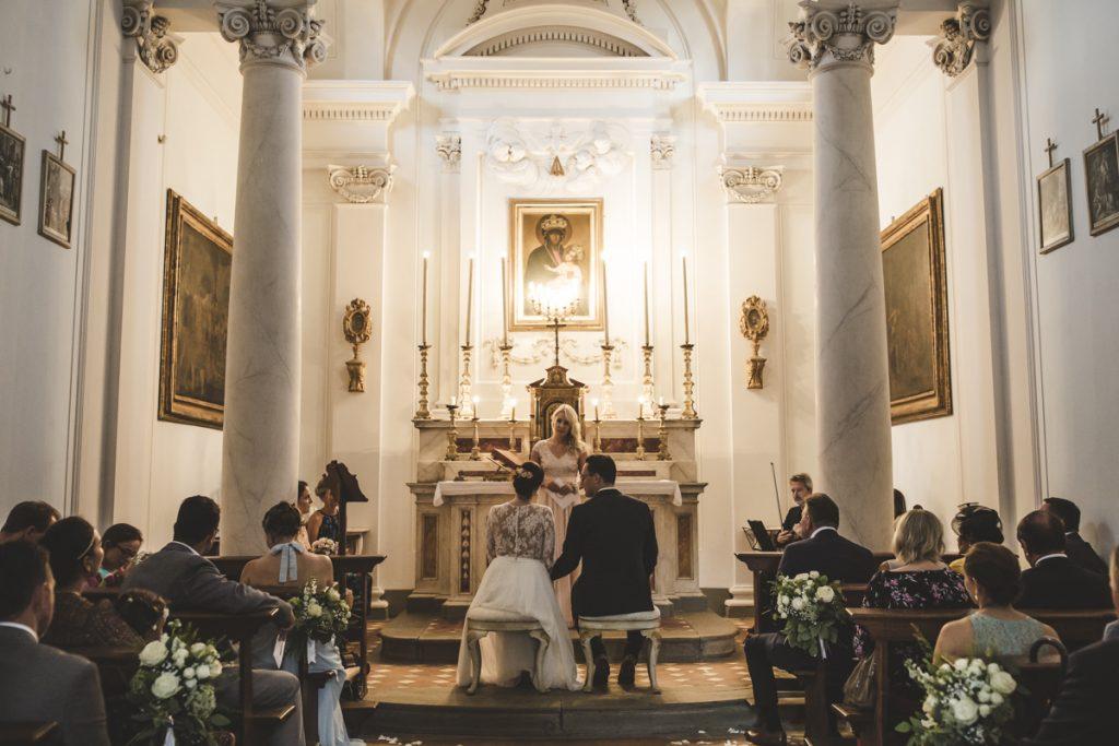 wedding celebration in antico borgo poggitazzi arezzo