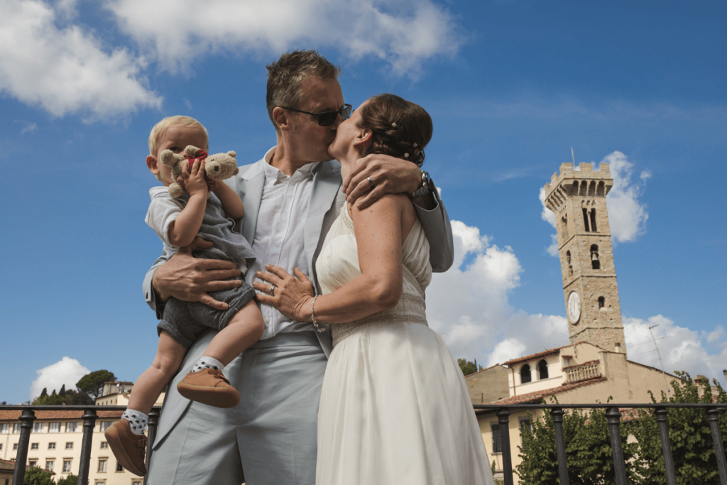 emotional elopement photographer in tuscany