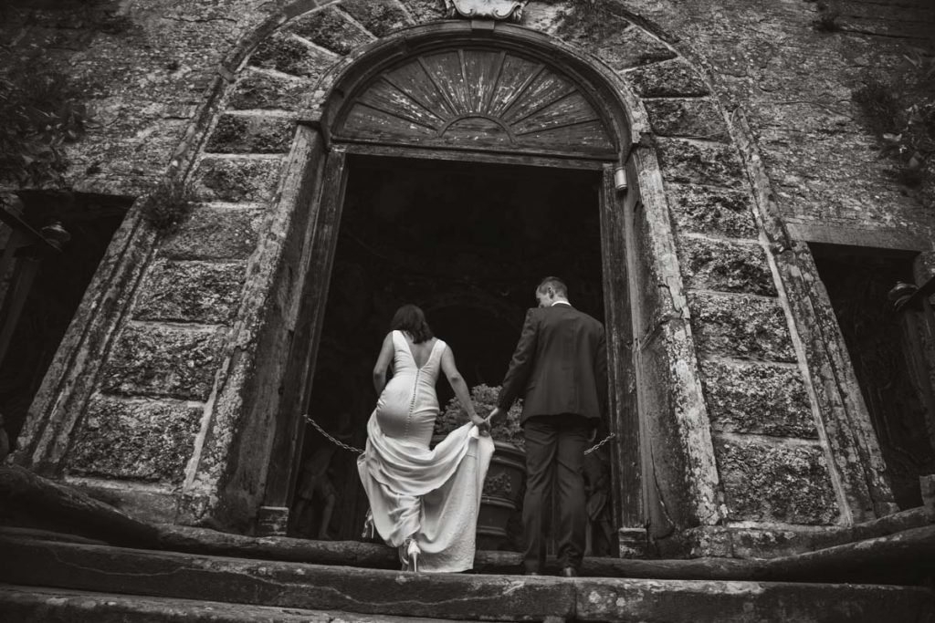 newly wed in tuscany